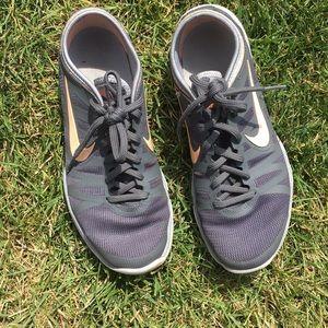 Nike Sneakers / Tennis Shoes
